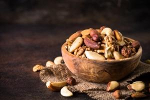 Jak jedzenie orzechÃłw pomaga kontrolować cukrzycę [Fot. nadianb - Fotolia.com]