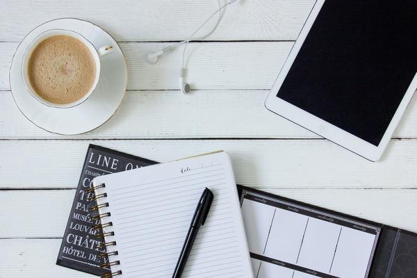 Jak kawa wpływa na umysł [fot. Fotownetrza z Pixabay]