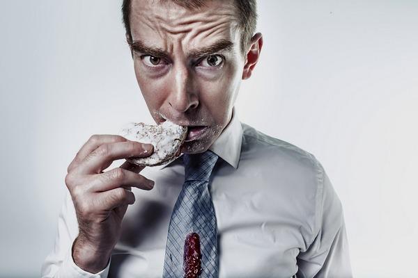 """Jak nie """"zajadać"""" stresu. 5 prostych kroków [fot. Ryan McGuire z Pixabay]"""
