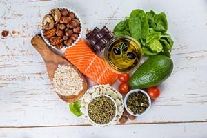 Jak obniżyć poziom cholesterolu bez przyjmowania leków? [© anaumenko - Fotolia.com]