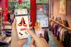 Jak oszczędzać kupując online? 5 praktycznych rad [© Stanisic Vladimir - Fotolia.com]