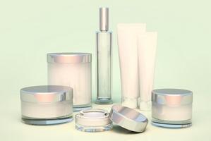 Jak pielęgnować cerę naczynkową? Tych składników szukaj w kosmetykach [© paintersaba - Fotolia.com]