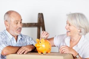 Jak pieniądze wpływają na szczęście: co innego cieszy bogatszych, co innego biedniejszych  [Fot. contrastwerkstatt - Fotolia.com]