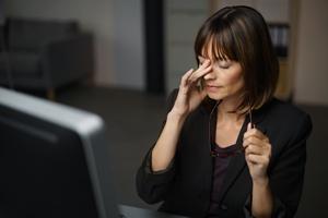 Jak pomóc zmęczonym oczom? [© contrastwerkstatt - Fotolia.com]