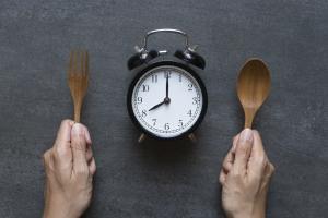 Jak pora jedzenia wpływa na ryzyko cukrzycy i otyłości [Fot. tatomm - Fotolia.com]