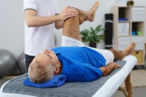 Jak poradzić sobie z kontuzją kolana? [Fot. contrastwerkstatt - Fotolia.com]