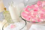 Jak przygotować domowy preparat pielęgnujący ciało [© Olga Lyubkin - Fotolia.com]
