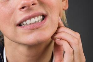Jak radzić sobie z nadwrażliwością zębów i dziąseł? [©  Andrey Popov - Fotolia.com]