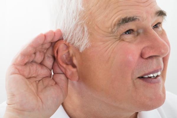 Jak rozmawiać z innymi, gdy ma się problemy ze słuchem [Fot. Oda do jedzonka  Szarpana wolowinka  placki z kukurydzy  surowka  kasza.]