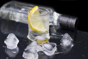 Jak schłodzić alkohol? Jaka temperatura dla jakiego trunku? [© Alvintus - Fotolia.com]