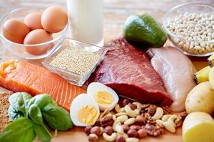 Jak się zdrowo odżywiać? Radzi WHO [© Syda Productions - Fotolia.com]