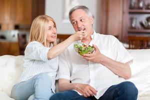 Jak skutecznie schudnąć? Trzeba przejść na dietę z partnerem [© Minerva Studio - Fotolia.com]