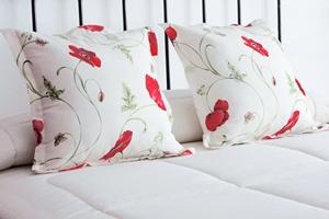 Jak spać w upały? Pomoże dobre odżywianie się [© andrade - Fotolia.com]