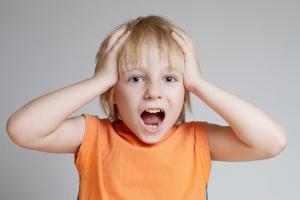 Jak sprawić, by dzieci przestały przerywać: skuteczne strategie dla rodziców i dziadków [Fot. Andriy Petrenko - Fotolia.com]