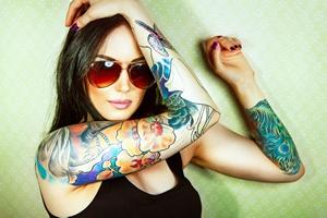 Jak usunąć tatuaż?  [© ninared - Fotolia.com]