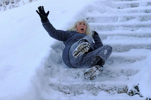 """Jak uzyskać odszkodowanie za """"zimowy"""" wypadek? [Fot. Astrid Gast - Fotolia.com]"""