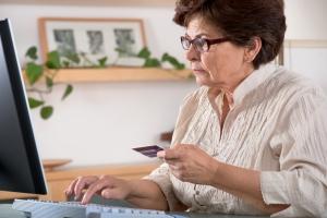 Jak w Internecie kupować tanio i mądrze [Fot. Alexander Raths - Fotolia.com]