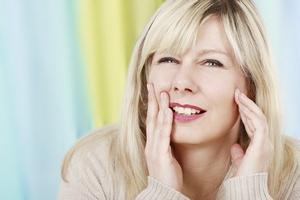 Jak walczyć z nadwrażliwością zębów?  [© absolutimages - Fotolia.com]