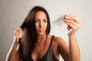 Jak walczyć z wypadaniem włosów? [© delmedio - Fotolia.com]