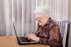 Jak włączyć w aktywne życie (także) zawodowe osoby starsze, chore przewlekle? [© sima - Fotolia.com]