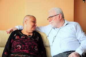 Jak wspierać bliską osobę chorą na raka? [© bernanamoglu - Fotolia.com]