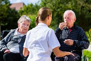 Jak wybrać ośrodek opieki długoterminowej? [© Kzenon - Fotolia.com]