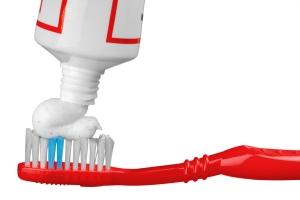 Jak wybrać właściwą pastę do zębów? [Fot. BillionPhotos.com - Fotolia.com]