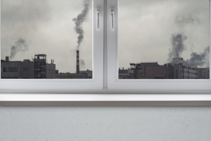 Jak wygnać smog z domu? [Fot. Savvapanf Photo © - Fotolia.com]
