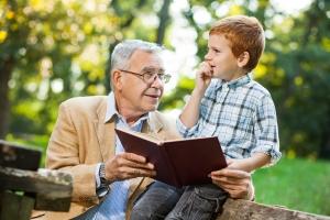 Jak zachęcać wnuki do nauki [Fot. djoronimo - Fotolia.com]