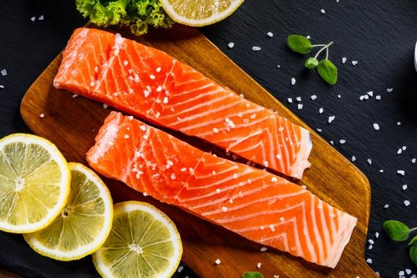 Jak zachować młodość na dłużej? Włącz do swojej diety ryby i owoce morza [Fot. Jacek Chabraszewski - Fotolia.com]