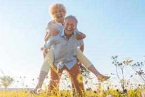 Jak zachować młody wygląd i dobre samopoczucie na dłużej [Fot. Kzenon - Fotolia.com]