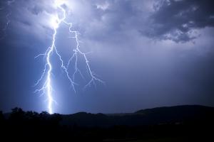 Jak zachować się podczas burzy? [Fot. Libor - Fotolia.com]