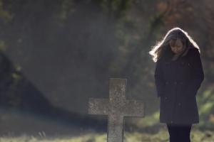 Jak żałoba zaburza sen i sprzyja chorobom [Fot. Ian Dyball - Fotolia.com]