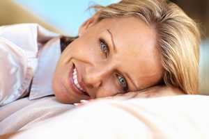 Jak zlikwidować cienie pod oczami? Własnym tłuszczem [© Yuri Arcurs - Fotolia.com]