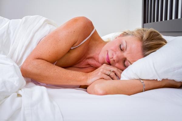 Jak zmniejszyć stres i niepokój? Trzeba zadbać o dobry sen [Fot. Jason Stitt - Fotolia.com]