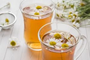 Jaką herbatę warto pić wieczorem? [Fot. Elenglush - Fotolia.com]