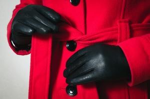 Jaki płaszcz nosić tej jesieni? [© gmstockstudio - Fotolia.com]