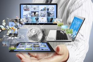 Jakie pliki można legalnie ściągnąć z internetu? Co można udostępniać w sieci? [© violetkaipa - Fotolia.com]