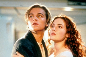 "James Cameron pozwany przez krewnego bohatera ""Titanica"" [Leonardo DiCaprio i Kate Winslet fot. Syrena]"