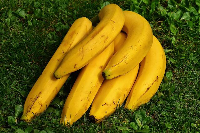 Jedz banany. Pomogą uniknąć udaru [fot. Alexas_Fotos from Pixabay]