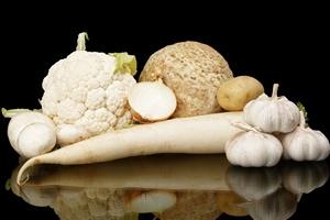 Jedz białe warzywa, mogą uchronić cię przed rakiem żołądka.  [© T. Wejkszo - Fotolia.com]