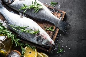 Jedz ryby dwa razy w tygodniu - unikniesz chorób serca [Fot. nadianb - Fotolia.com]