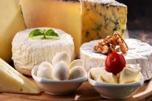 Jedz sery - chronią serce [Fot. monticellllo - Fotolia.com]