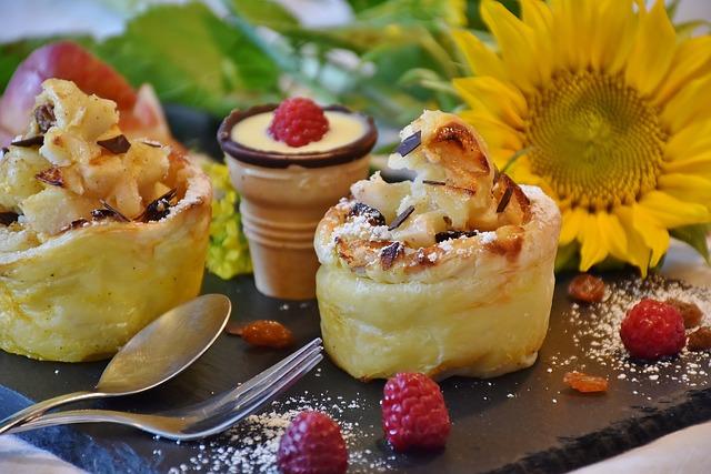 Jedzenie dla przyjemności to droga do przejadania się  [fot. RitaE from Pixabay]