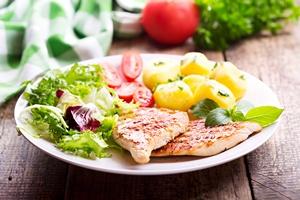 Jedzenie mięsa nie skraca życia. Nie trzeba zostawać wegetarianinem [© Nitr - Fotolia.com]