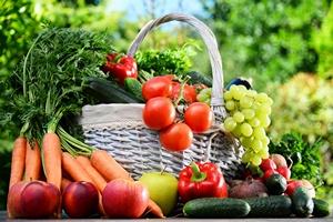 Jemy za mało warzyw i owoców [© monticellllo - Fotolia.com]