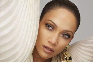 Jennifer Lopez odsłoni duszę. W książce [Jennifer Lopez fot. Sony Music]