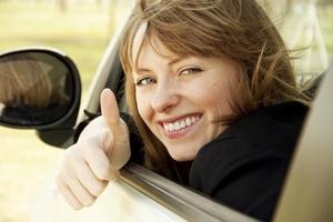 Jesteś pesymistą? Medytuj i patrz na uśmiechnięte twarze! [© taran4uk - Fotolia.com]