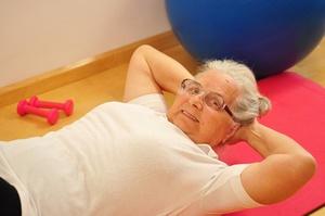 Jesteś w wieku pomenopauzalnym? Ćwiczenia pomogą Ci zachować jasność umysłu [© Printemps - Fotolia.com]