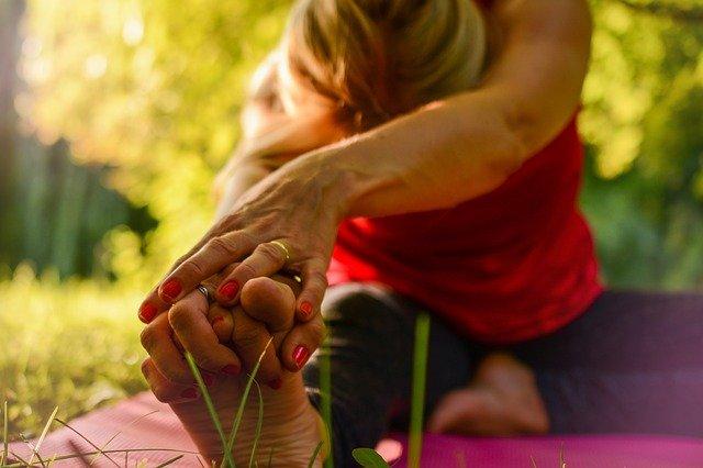 Joga i aerobik: sposoby na ochronę przed chorobami serca [fot. Sofie Zbořilová from Pixabay]
